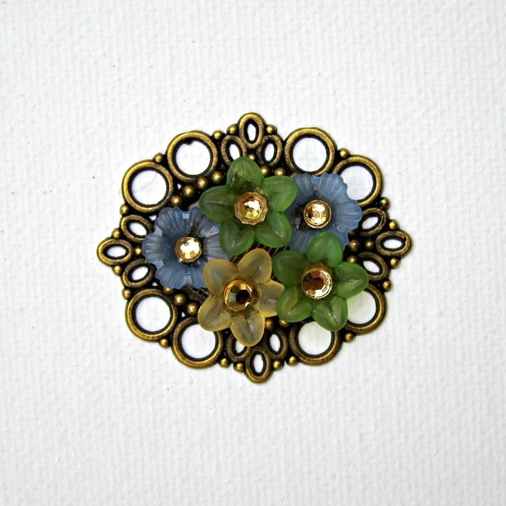 Flower-Cabochon-Pendant