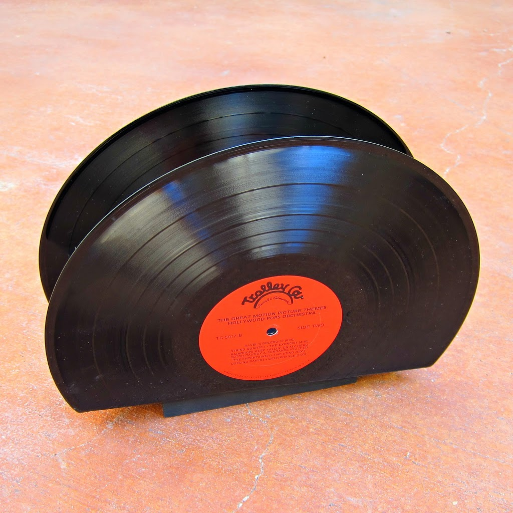 photo How to Make a Vinyl Record Mail Holder