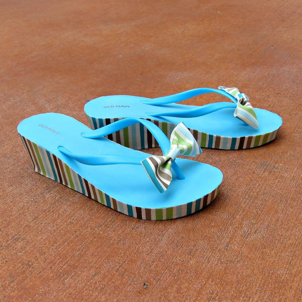 Flip flop makeover with fabric and mod podge morena 39 s corner for Flip flops for crafts