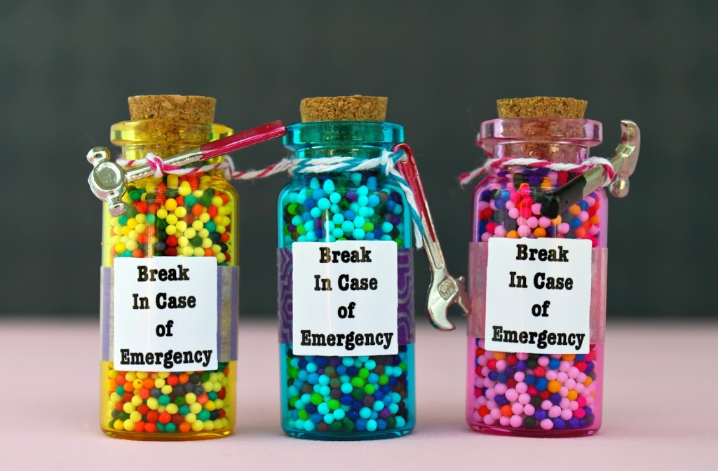 Hilarious Emergency Candy Jar Gift Diy Morena S Corner