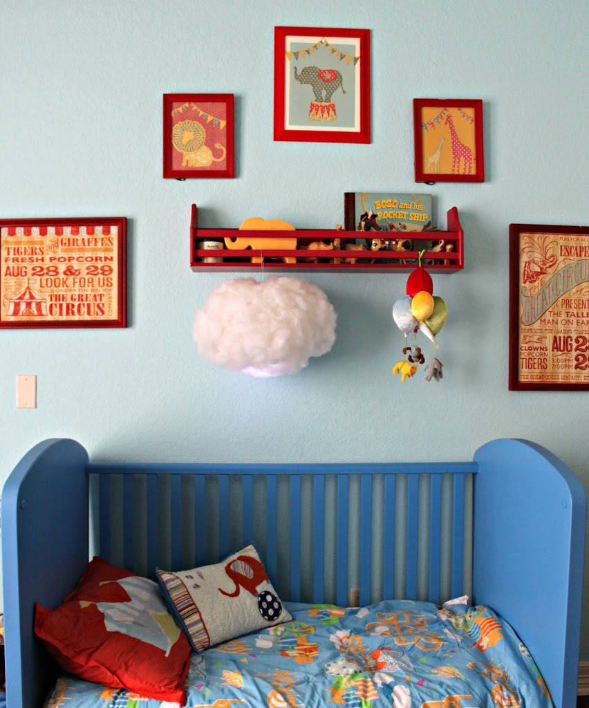 Learn how to make your own cloud lantern with just a few items.  This is beautiful way to decorate any room in your house!