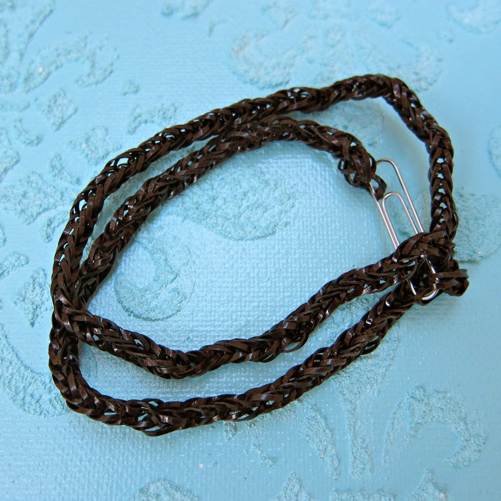 Make rubber band jewelry without a loom morena 39 s corner for Rubber band crafts without loom