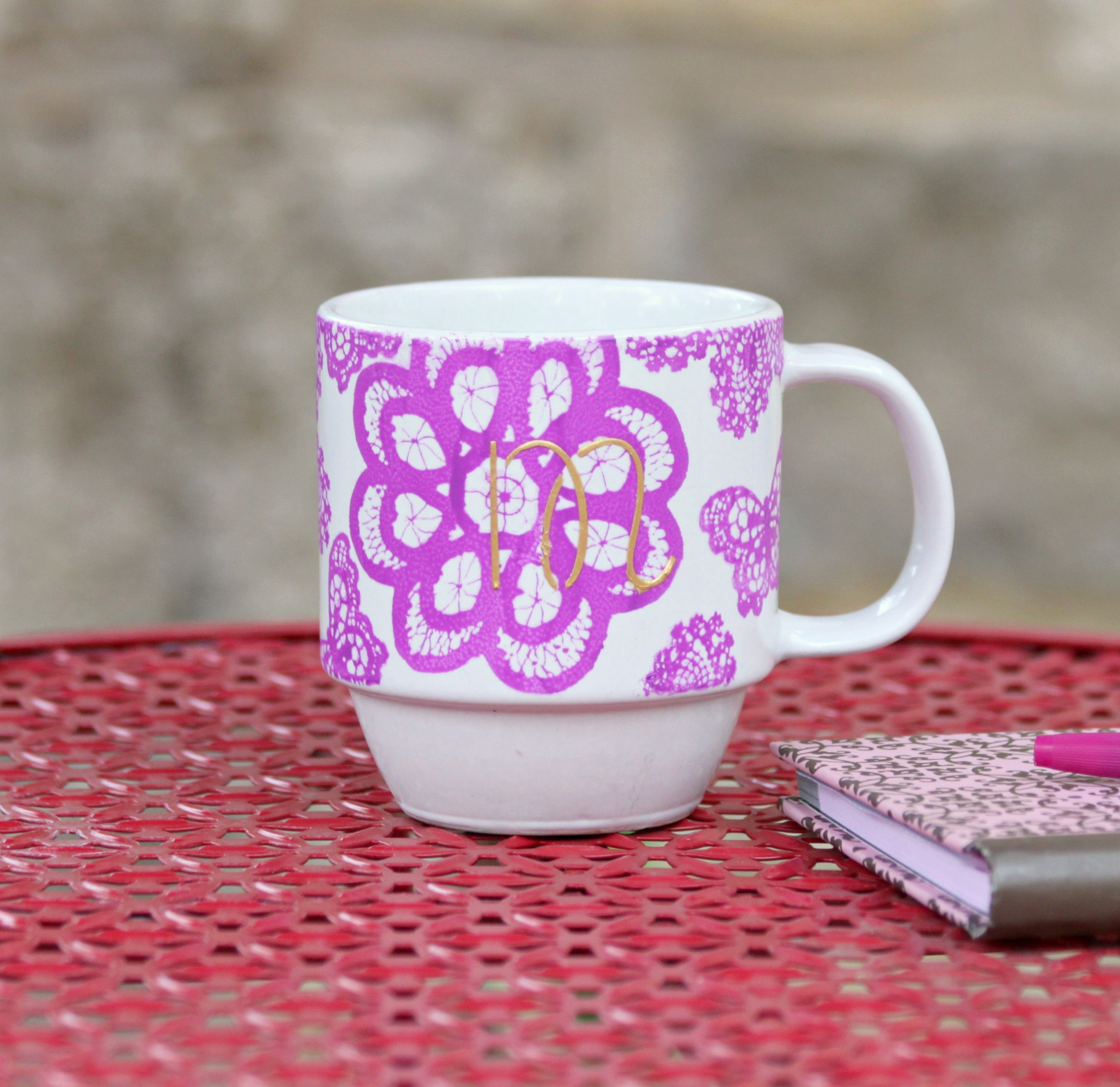 Make a gorgeous monogrammed mug by using silk screen stencils and glass paint from Martha Stewart.