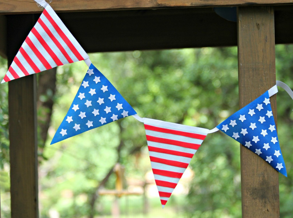 I was inspired by the American flag with this Fourth of July bunting, but you can adapt the colors for any flag you like. Use non-fraying Oly-Fun fabric.