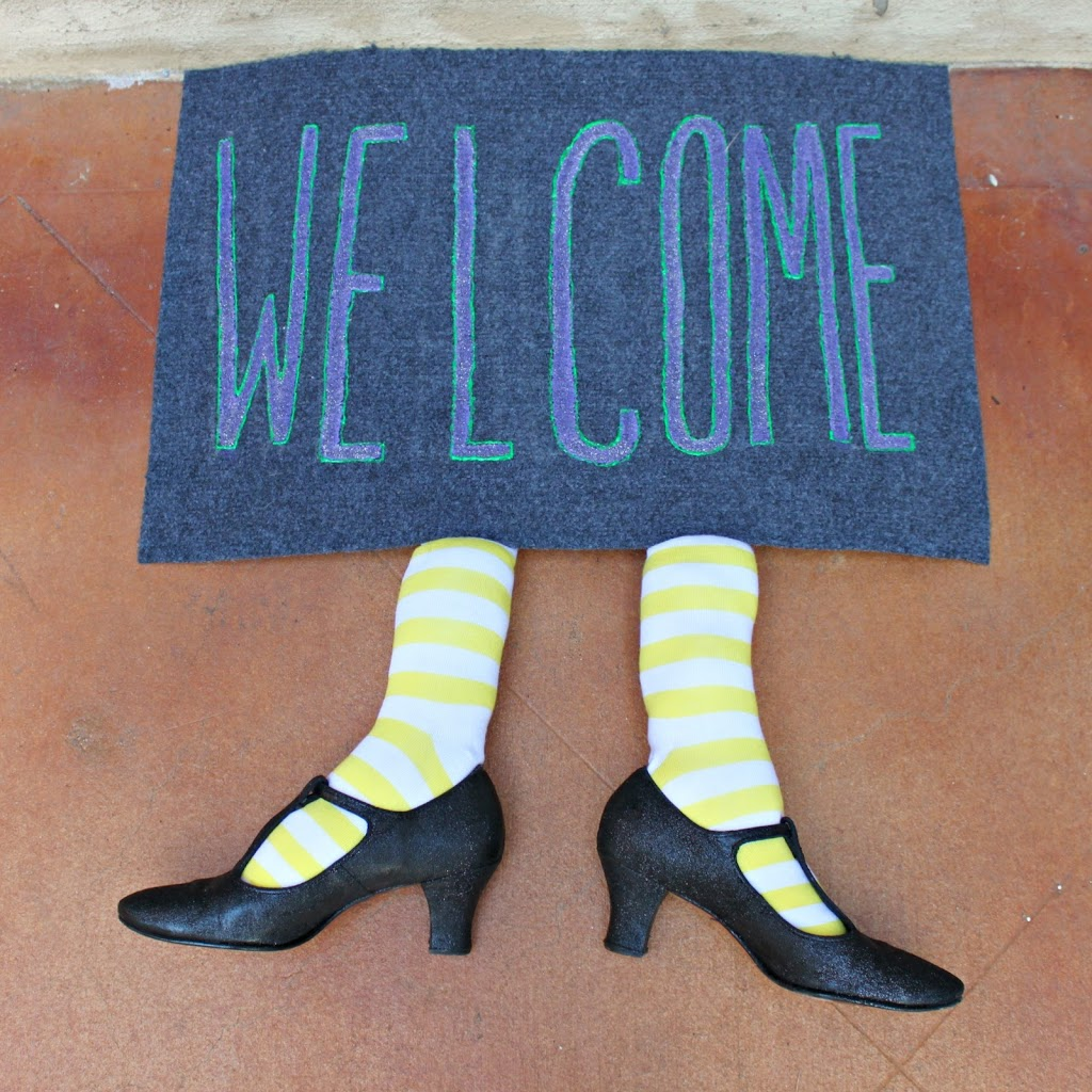 Make A Witch Welcome Mat For Your Door Morena S Corner