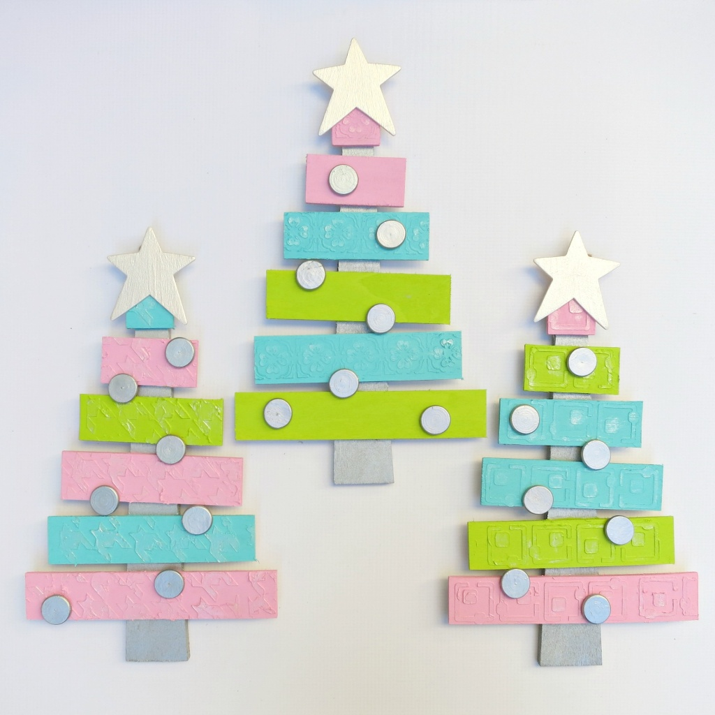 Pallet Christmas Tree Decor DIY
