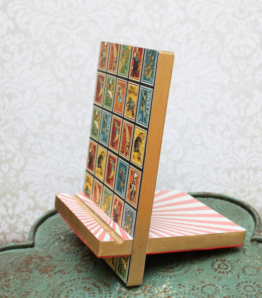 Tablet Stand Gift DIY at Walnut Hollow - Morena's Corner