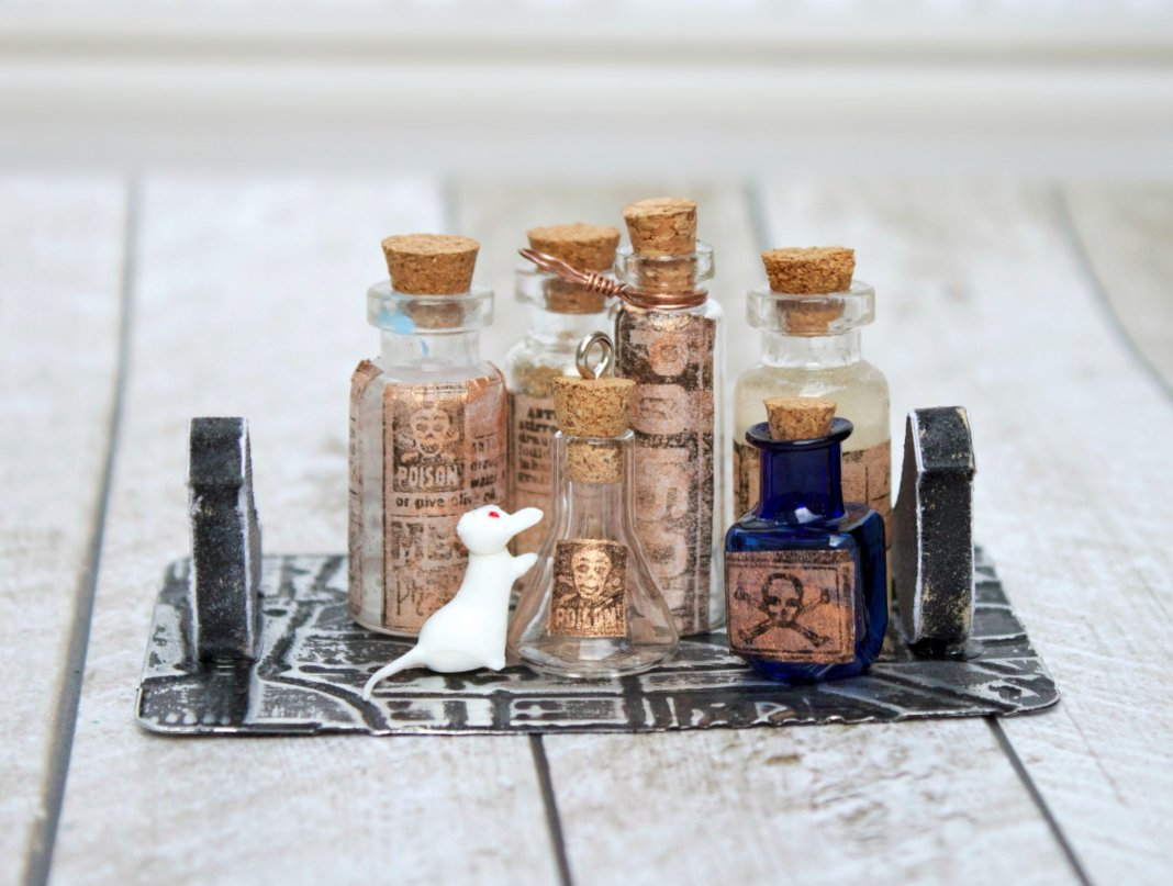 Tiny Poison Bottle Vignette DIY - Morena's Corner
