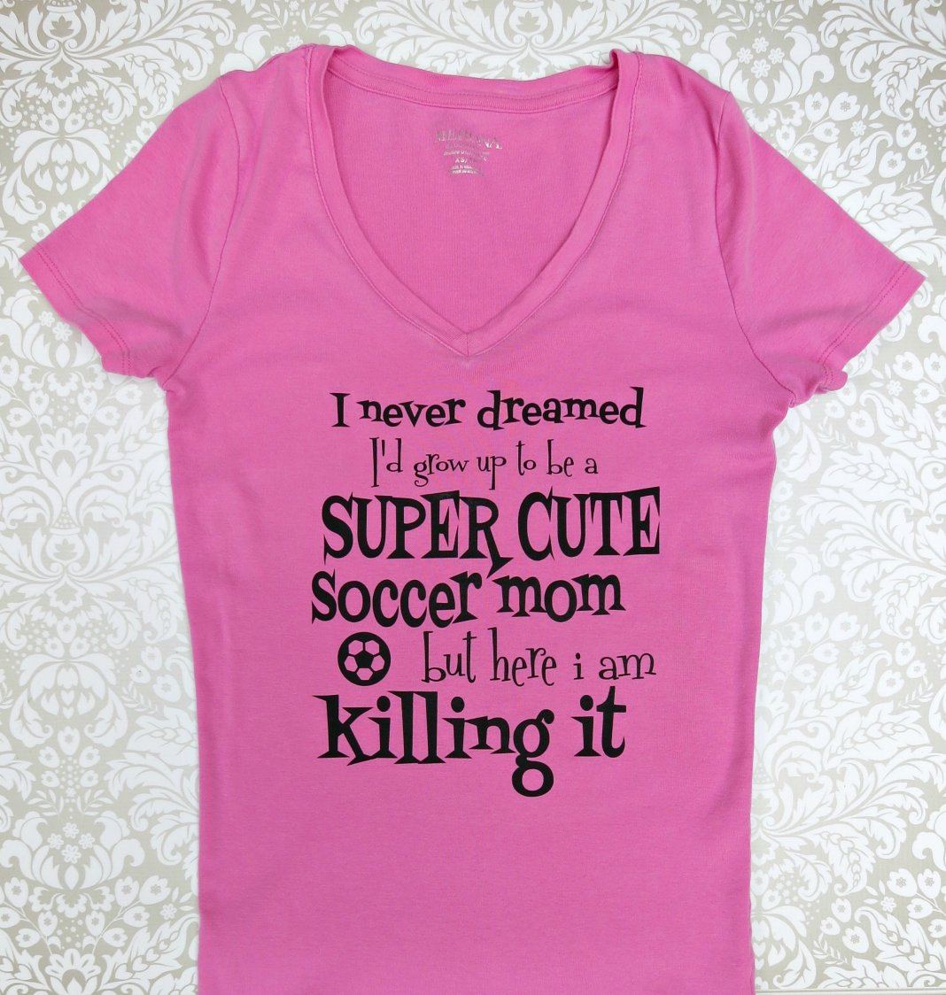 Super Cute Soccer Mom Shirt DIY - Morena's Corner