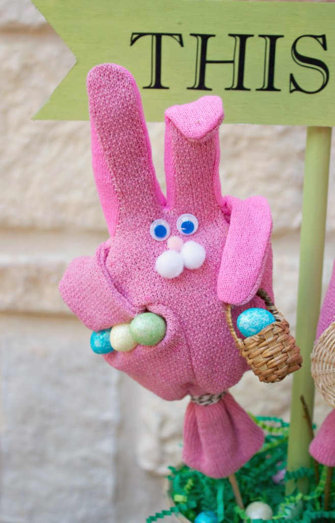Garden Glove Bunny Decor to Make For Your Home Morenas Corner