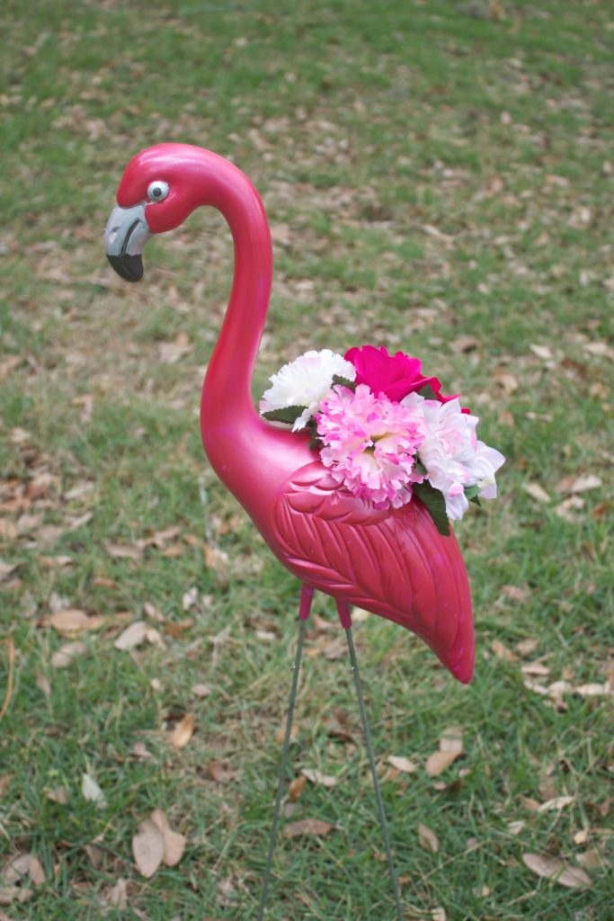 Let me show you how simple it is to turn plastic pink flamingoes into faux metallic flamingo planters for your home.