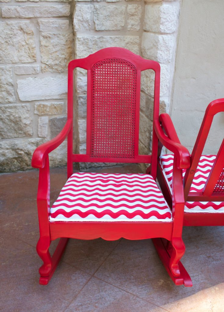 Update tired old rocking chairs by turning them into a colorful, conversational couples double rocker!  Spend the summer together chatting outside.