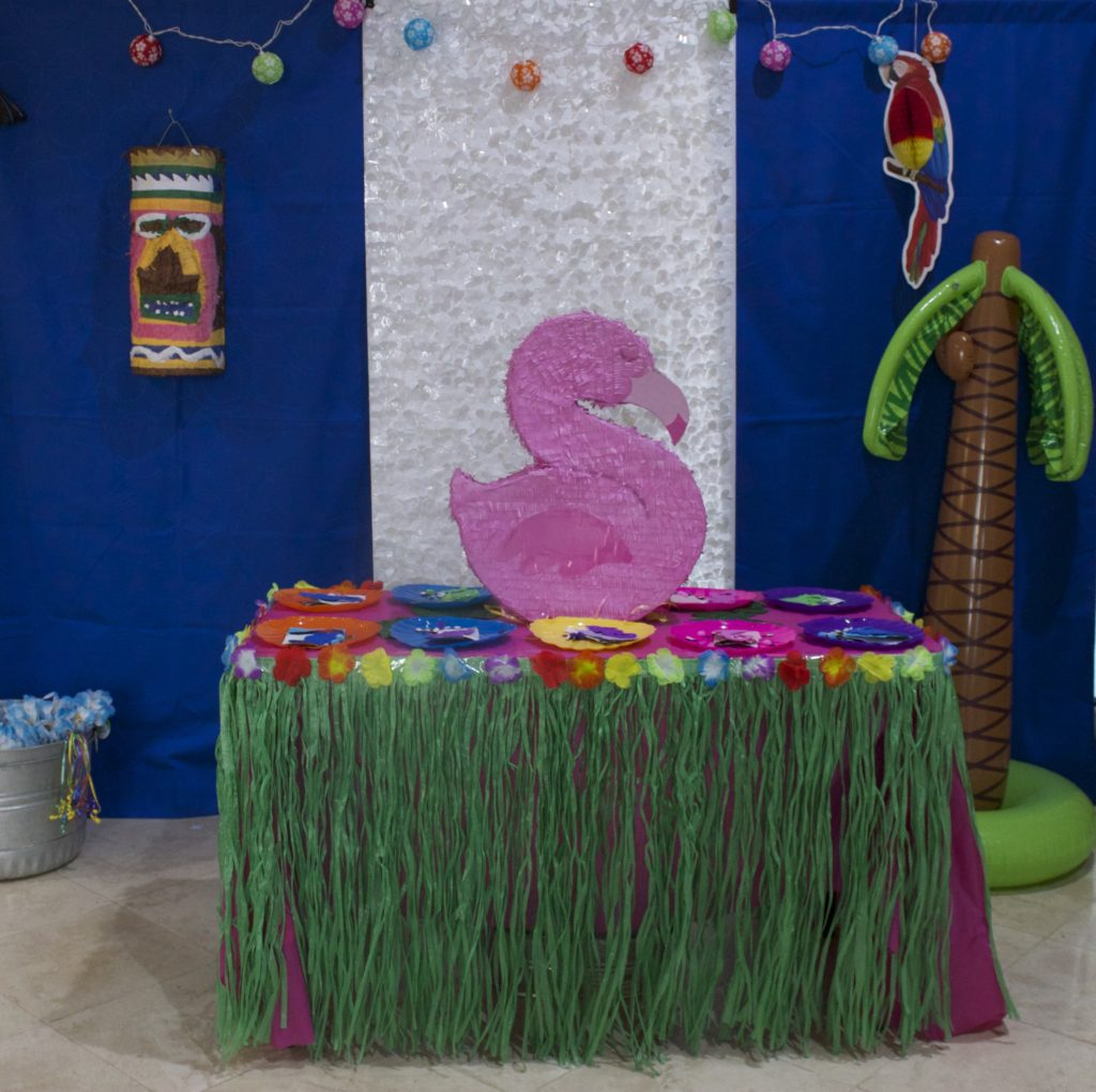 """Throw a Hawaiian party with these """"Lilo and Stitch"""" Themed birthday party ideas."""