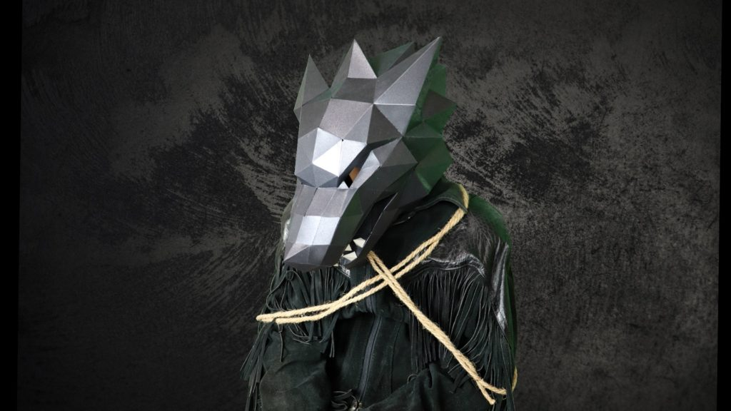 Use a wolf mask kit to DIY your costume
